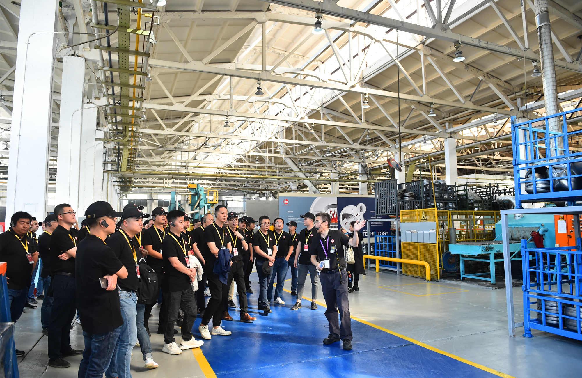 distributors visiting manufacturing center.jpg